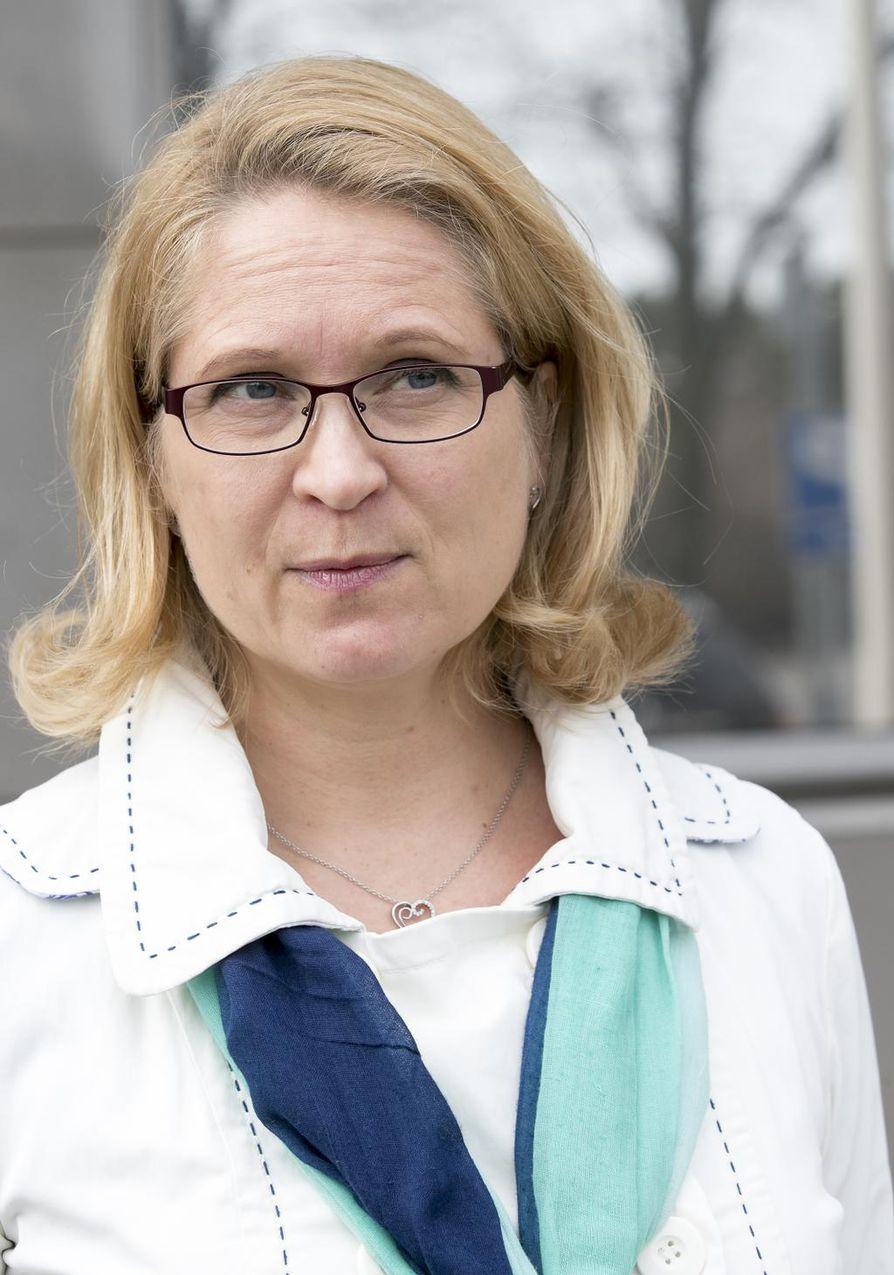 Poliisilaitoksen sisäilmakatastrofista pitää yrittää saada edes jotain hyvää irti: on tuotava esiin kaikki se, mitä voidaan, sanoo poliisilaitoksen työterveyslääkärinä työskentelevä Saija Hyvönen.