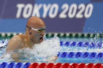 """Tytär ennusti Matti Mattssonille Tokion finaalipaikan: """"Isillä on kaksi uintia, sitten hän tulee kotiin"""""""