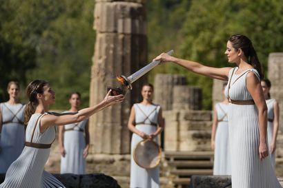 Olympiatuli sytytettiin antiikin kehdossa - aktivistit paikalla
