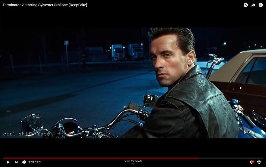 Kuvakaappaus Youtube-käyttäjä ctrl shift facen deep fake -videosta, jossa Terminator 2 -elokuvan päähahmon näyttelijä Arnold Schwarzenegger on korvattu Sylvester Stallonella.