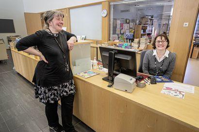 Lainata saa, mutta oleskelemaan ei parane jäädä: kirjastot palvelevat asiakkaita toukokuun loppuun hyvin rajoitetusti