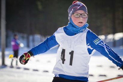 Katso video ja tulokset: Limingan Rantakylässä hiihdettiin auringonpaisteessa –koronan vuoksi yleisö ei päässyt paikalle ja osallistujamääräkin oli rajoitettu