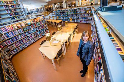 Rovaniemen kaupunginkirjasto sai uuden johtajan ja sitten korona sulki ovet: Lukeva ihminen pärjää vaikka poikkeustilassa