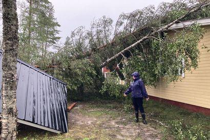 Myrskytehtävät jatkuvat Oulu-Koillismaan pelastuslaitoksen alueella  – pelastuslaitokselle tehtiin 300 hälytystä pelkästään tiistain aikana