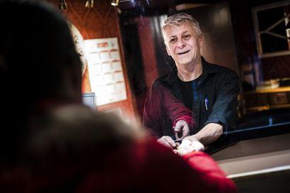 Yrittäjät päivystävät korona-ajan harvoja hotelliasiakkaita - Joinakin kuukausina jopa 80 prosenttia liikevaihdosta on lähtenyt, sanoo hotelliyrittäjä Ylitorniolta