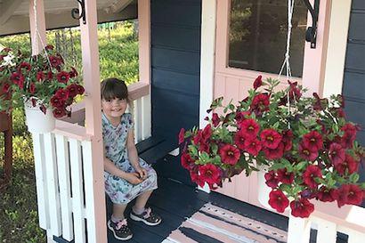 Martta Ruotsala viettää Villa Mustikan avajaisia viisivuotissynttäreillään