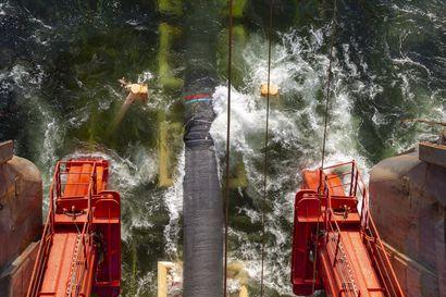 Itämeren kaasuputkesta tuli maailmanpolitiikan kuuma peruna – Lähiviikkoina ratkeaa, pysähtyykö rakennushanke viime kilometreillä