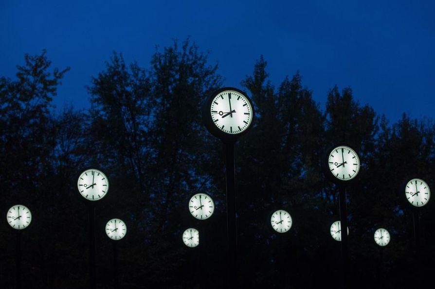 Nyt kysytään,  olisiko Suomen valittava pysyväksi ajaksi nykyinen kesäaika, nykyinen talviaika vai jokin muu aika.