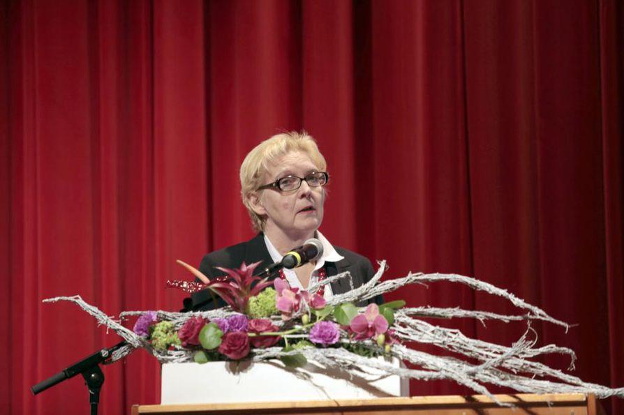 Kaisa Vähähyyppä kertoi ylioppilastutkintojen sähköistämisestä OAJ:n opettajainpäivillä Oulussa lauantaina.