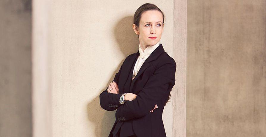 Jessica Cottis on päättyvällä syyskaudella johtanut muun muassa BBC:n Proms-festivaalilla ja Lontoon Kuninkaallisessa oopperassa.