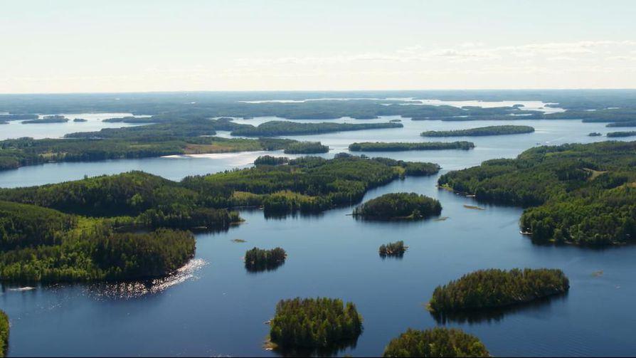Suomi kiinnostaa ulkomaalaisia turisteja aiempaa enemmän, mutta suomalaismatkailijat vievät enemmän rahaa ulkomaille kuin turistit tuovat Suomeen.