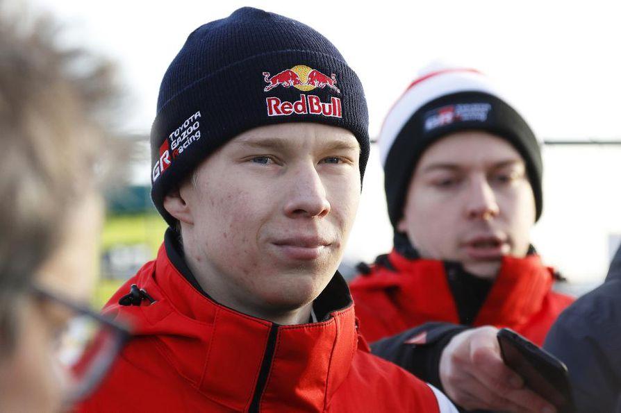 Kalle Rovanperä, 19, säväytti vauhdillaan Ruotsin MM-rallin avauspäivänä perjantaina.