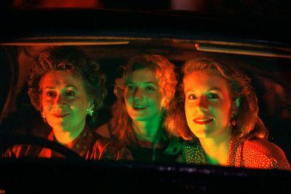 Greenawaynleikkionkylmää perjantai-illan mustassa komediassa