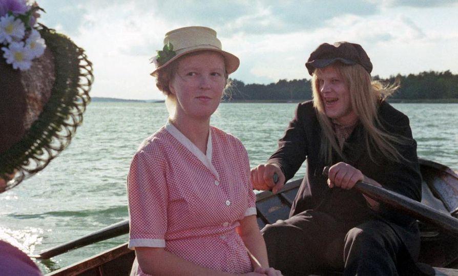 Leena Uotila ja Vesa-Matti Loiri saivat aikoinaan Jussit näyttelijäsuorituksistaan Rakastunut rampa -elokuvassa.