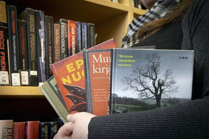 Miehet lukevat mutta eivät bloggaa kirjoista –Dekkariviikko vie nettiin jaettujen lukukokemusten äärelle