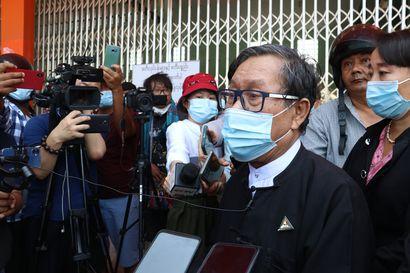 Aung San Suu Kyin oikeudenkäyntiä siirrettiin taas, nettiyhteyksien katkaiseminen esti videolinkin käytön