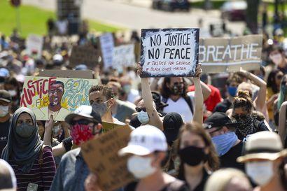 USA:n protestien pelätään aiheuttavan toisen korona-aallon – tartuntariskiä nostaa poliisin käyttämä kyynelkaasu