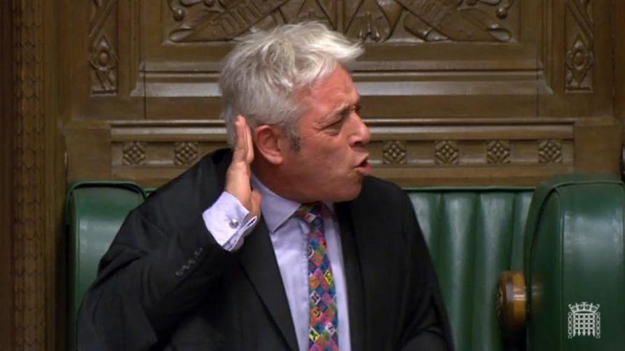 Order! Britannian parlamentin alahuoneen puhemiehellä John Bercowlla on jälleen edessään hikinen iltapuhde kun alahuone väittelee ja äänestää brexit-sopimuksesta.