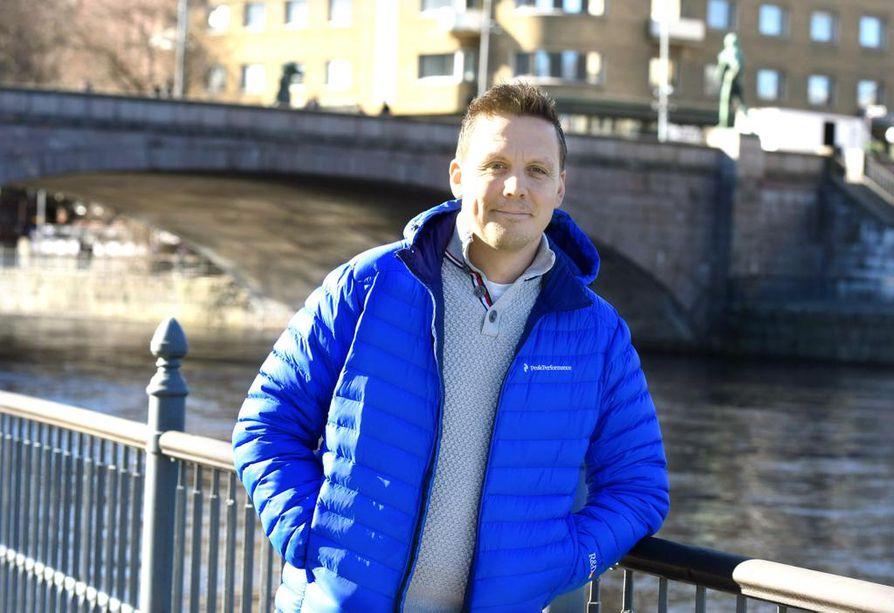 Tammerkosken rannalla. Tampere on Lauri Marjamäen rakas kotikaupunki, mistä valmennusura 22 vuotta sitten alkoi. Oulun-vuosien jälkeen Marjamäki perheineen on asettunut Tampereen kupeeseen Pirkkalaan.