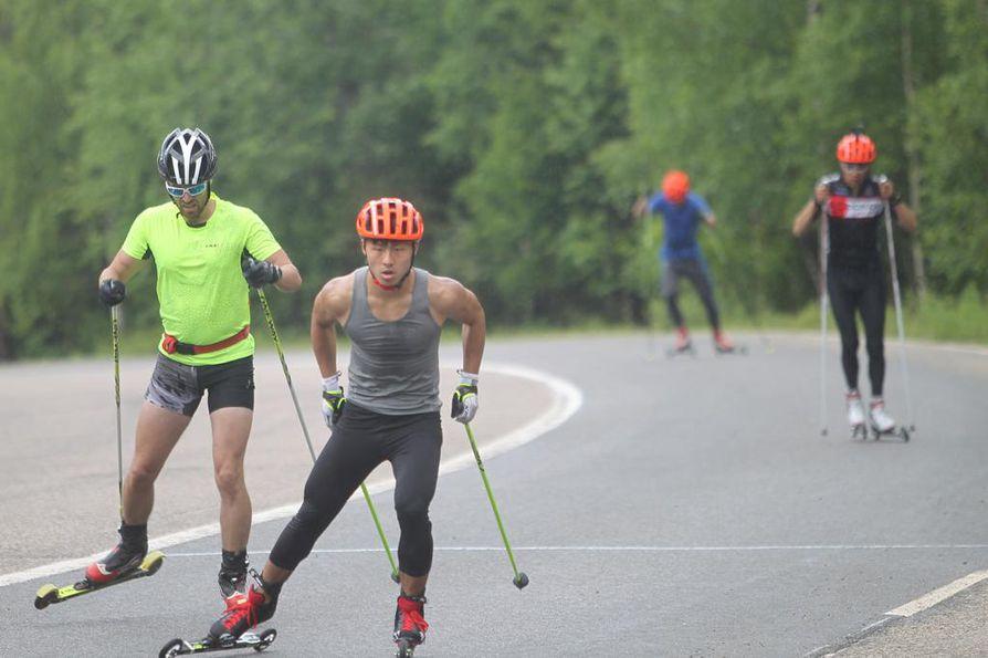 Vuokatin maisemissa kiinalaiset hiihtäjät ovat jo tuttu näky.