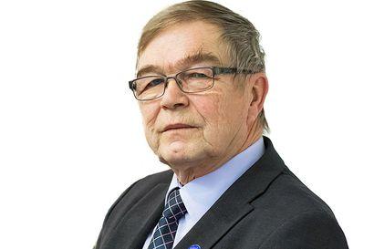 Niilo Keräsen kolumni: Yhteiskunnan on pyörittävä, joten ainakaan vanhoilla ei ole väliä, niinkö? Suomen perustuslailla on tähän jotain sanottavaa