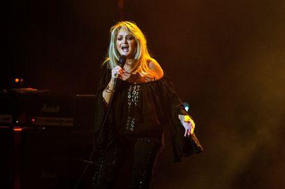 Kuuska Soi -tapahtumassa esiintyvä Bonnie Tyler tunnustaa rakastaneensa mahtiballadeja lapsesta saakka