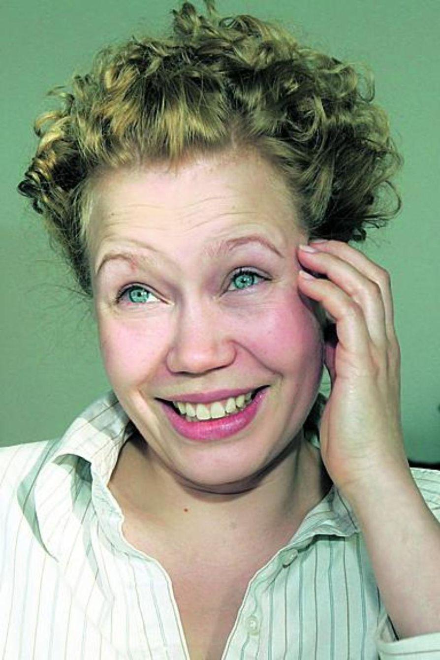 Helena Juntunen heläyttää sopraanoaan uudella oululaisella lastenmusiikkilevyllä.