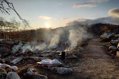 Tsahkaljärven retkeilyrakennusten paloa epäillään tuhopoltoksi – poliisi pyytää havaintoja paloyönä alueella liikkuneista henkilöistä