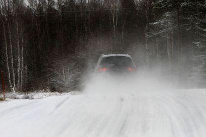 Pyhäinpäivän viikonlopun ajokeli on ollut Pohjois-Suomessa huono, liikenteessä on silti selvitty ilman vakavia onnettomuuksia