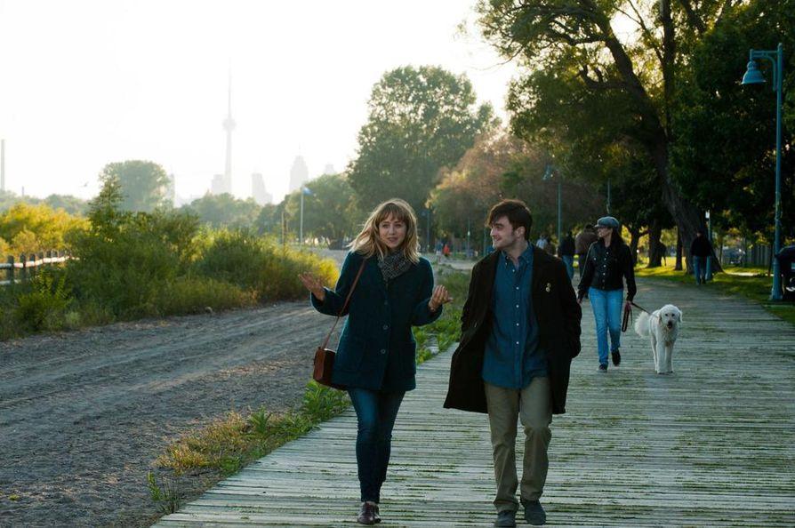 Daniel Radcliffe esittää romanttisessa komediassa, What If, epävarmaa nuorta miestä, joka ihastuu hauskaan animaattoriin (Zoe Kazan).