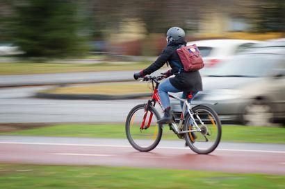 """Työmatkapyöräilyn suosio kasvaa, mutta tapaturmia sattuu aiempaa enemmän – """"Tärkeintä on oikea tilannenopeus"""""""