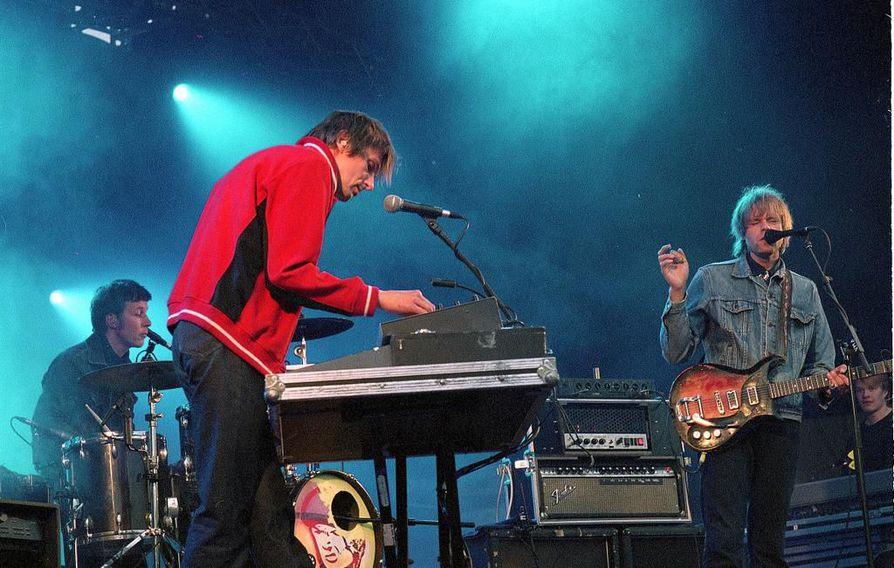 22-Pistepirkko esiintyi Ruisrock vuonna 2002.