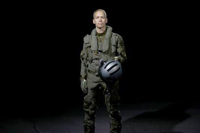 Jussi Halmetojan tie vei Oulujoen rannalta Ruotsin ilmavoimiin – vuosien varrella hän on toiminut Gripen-hävittäjien koelentäjänä ja päässyt ESA:n astronauttivalikoinnin loppusuoralle