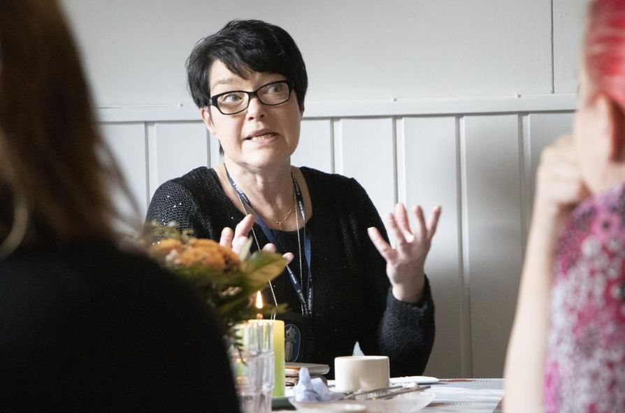 Rikosylikonstaapeli  Irmeli Korhonen peräänkuuluttaa vanhempien vastuuta lapsistaan.