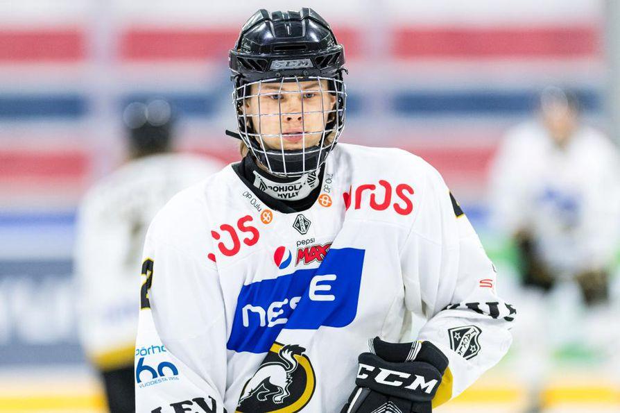 Kärppien puolustaja Kasper Puutio varattiin ensimmäisenä Kanadan juniorisarjojen ulkomaalaisten pelaajien varaustilaisuudessa.