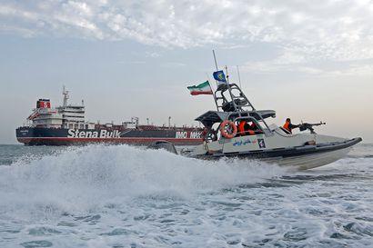 """Britannian lipun alla kulkeva tankkeri on Iranin mukaan """"vapaa lähtemään"""" – yhä epäselvää, onko alusta vapautettu"""
