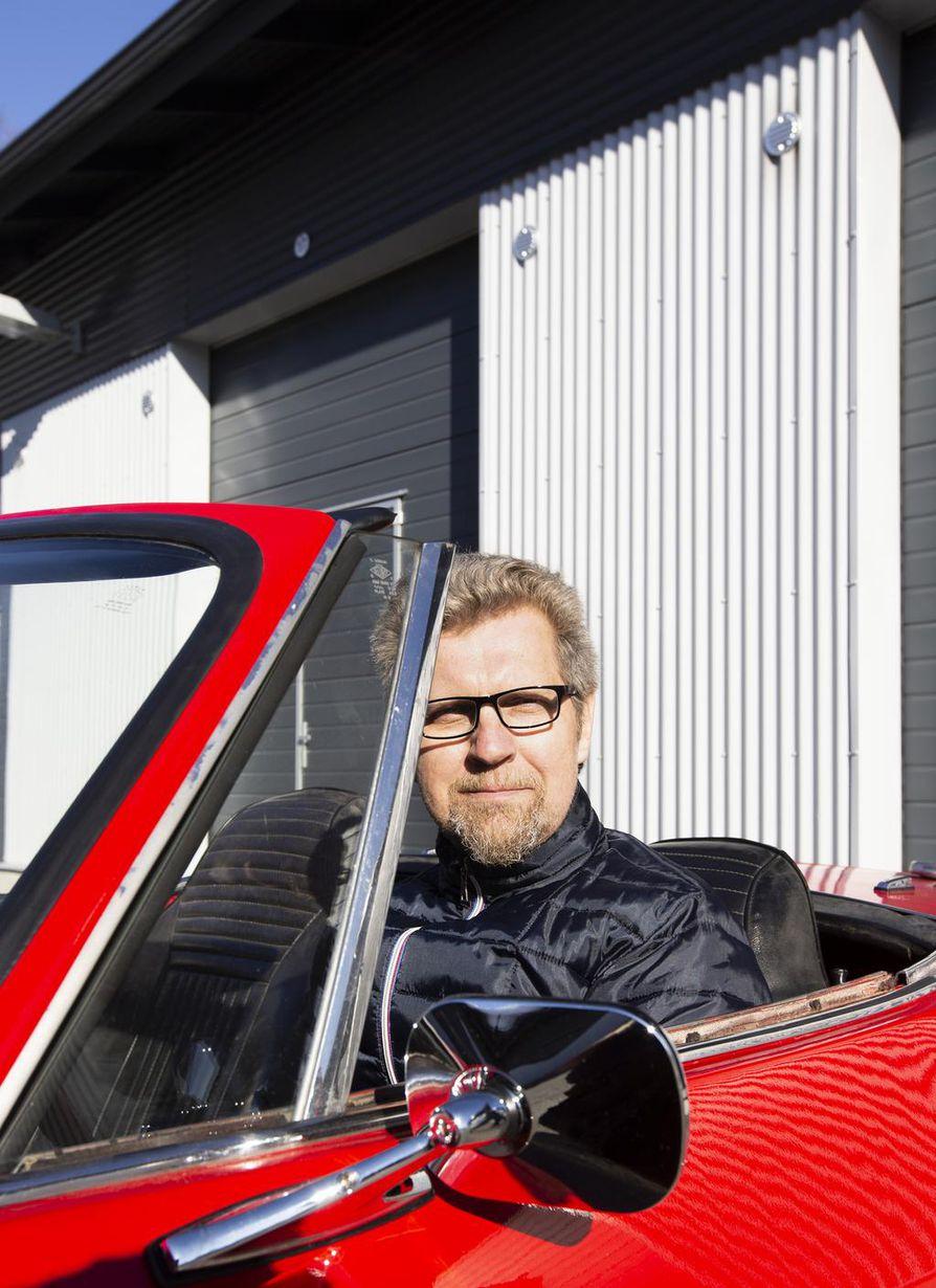 Petteri Holappa aikoo suunnata punaisella Fiatilla vappuajelulle.