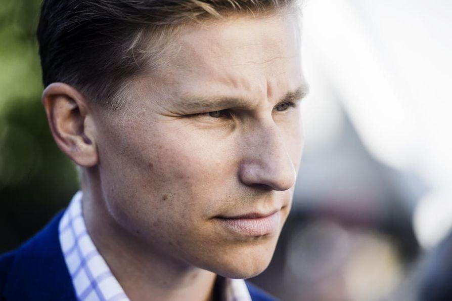 Oikeusministeri Antti Häkkänen (kok.) haluaa kääntää kriminaalipoliittisen keskustelun näkökulman rikoksentekijästä uhriin ja teon sovittamiseen.