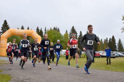 Wilson Kirwa, Kaarlo Maaninka ja Anssi Kukkonen paikalla Maaninkavaaran kylän omassa juoksutapahtumassa – järjestäjät odottavat hölkkäkansan lähtevän mukaan