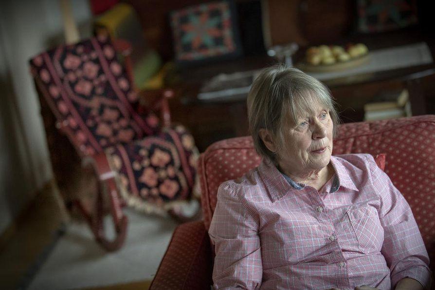 Pirkko Hiltunen teki elämäntyönsä Oulun yliopistollisessa sairaalassa, jossa hän työskenteli 25 vuotta konsultoivana vanhuspsykiatrina.