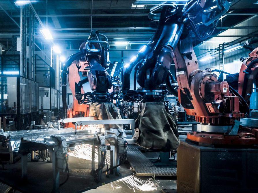 Valmet Automotiven Uudenkaupungin autotehtaalle aiotaan rekrytoida tänä vuonna noin tuhat uutta työntekijää, kerrottiin yhtiön tiedotustilaisuudessa.