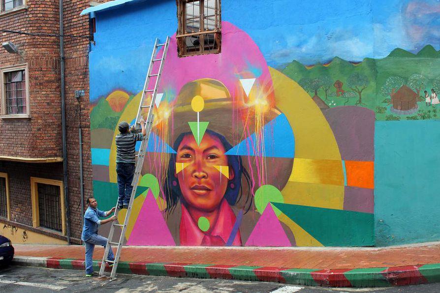 Kolumbian pääkaupungissa Bogotassa katutaide ottaa rohkeasti haltuunsa suuria pintoja ja tulee sinne, missä ihmiset ovat.