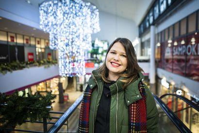 Kauppakeskuspäällikkö Petra Kurtti aloittaa työnsä haasteiden keskellä – Rovaniemeläisiltä hän toivoo tukea paikallisille kaupoille verkko-ostosten sijaan