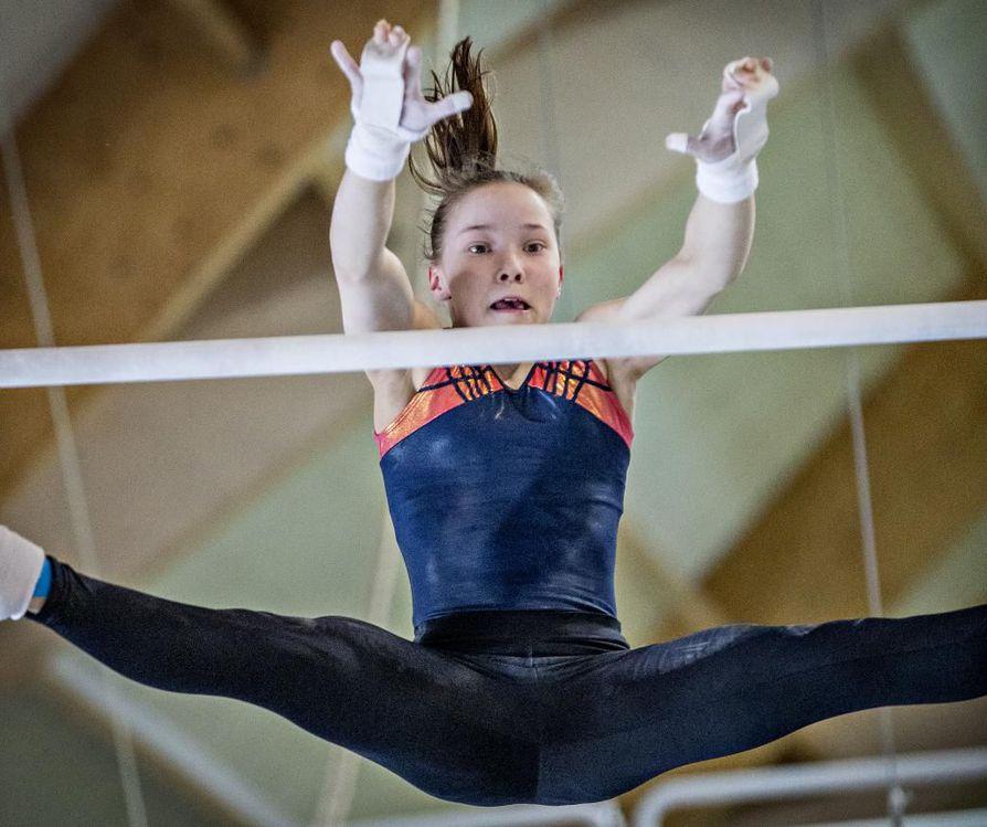 15-vuotias Oulun Pyrinnön Ada Hautala on voittanut Suomen mestaruuden. Kuvassa Hautala kuvattuna viime syksynä.