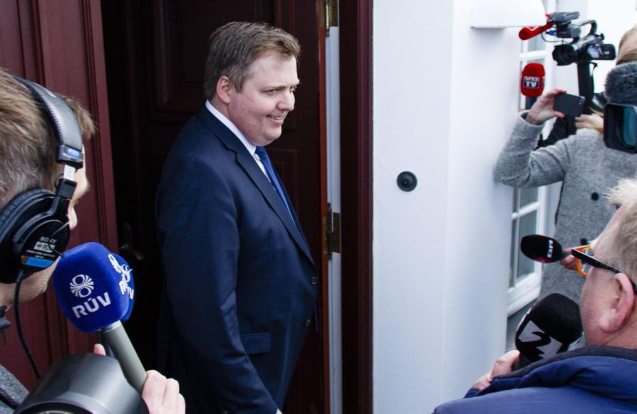 epa05245259 Iceland's Prime Minister Sigmundur David Gunnlaugsson leaves the residence of Iceland's President President Olafur Ragnar Grimsson after a meeting of the two 05 April 2016 in Reykjavik, Iceland. Prime Minister Sigmundur David Gunnlaugsson resigned 05 April 2016 follows allegations Gunnlaugson's name may appear in leaked documents published on 03 April 2016, suggesting that 140 politicians and officials from around the globe, including 72 former and current world leaders, have connections with secret 'offshore' companies to escape tax scrutiny in their countries. The leak involves 11.5 million documents from one of the world's largest offshore law firms, Mossack Fonseca, based in Panama.  EPA/BIRGIR POR HARDARSON ICELAND OUT