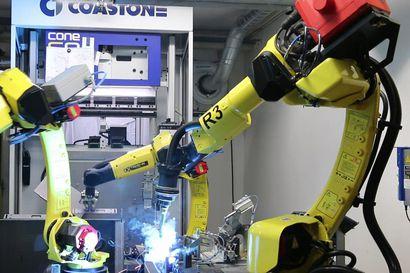 Polar-Metallin robottisolu työssään