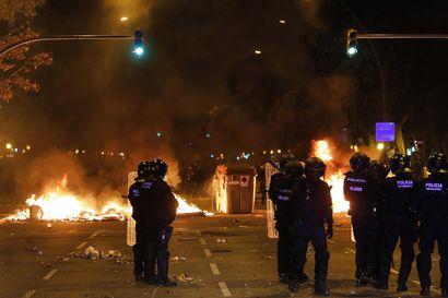 Katalonian aluejohtaja vetosi protestoijia lopettamaan väkivallan