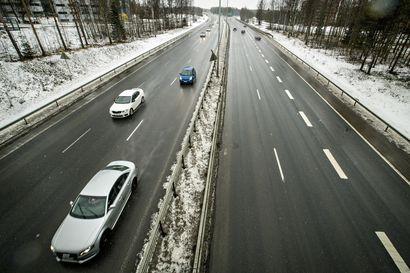 Oulujoen itäisemmän sillan kannen betonivalutyöt alkavat maanantaina – töitä tehdään yhtäjaksoisesti 48 tuntia