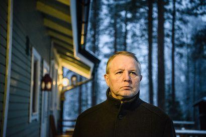 Rovaniemeläinen professori Vesa Puuronen joutui tottumaan skinien uhkailuun jo 1990-luvulla – nykyisin esitetään enemmän suoraan henkeen ja terveyteen kohdistuvia uhkauksia