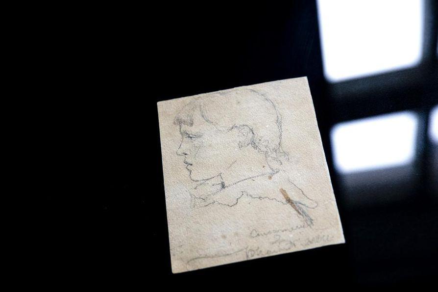 Atenumin ystävät on lahjoittanut toistasataa taideteosta sekä luonnosta nimikkomuseolleen. Luonnos nuoresta Helene Schjerfbeckistä ystävänsä piirtämänä.